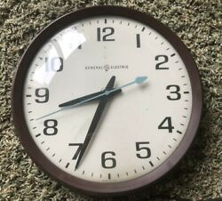 Vtg General Electric Industrial / School Wall Clock Model 2012 Glass Face Brown