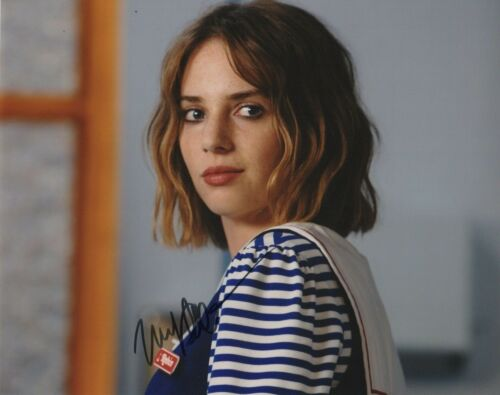Maya Hawke Stranger Things Autographed Signed 8x10 Photo COA 2019-2