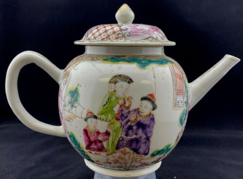 Chinese Export Porcelain Tea Pot c.1770 Famille Rose Qianlong Mandarin