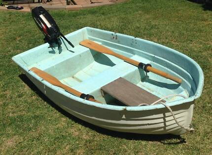 Dinghy - 8 Foot fibreglass