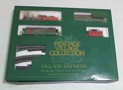 Dept. 56 Heritage Christmas Village Express HO Scale Train & Track Set ~ NICE