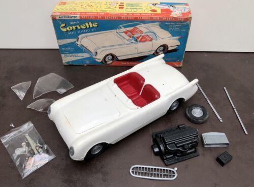 Maquette de corvette en mauvaise état pour pièces détachées - Ideal Toys 3083, 1950's - Jouet et jeux