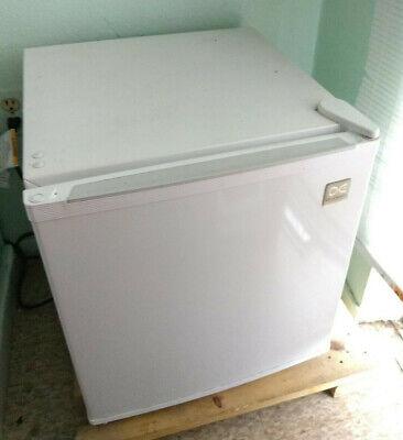 Daewoo Refrigerator White 1.7 Cu Ft Refrigerator 17 x 17 x 8