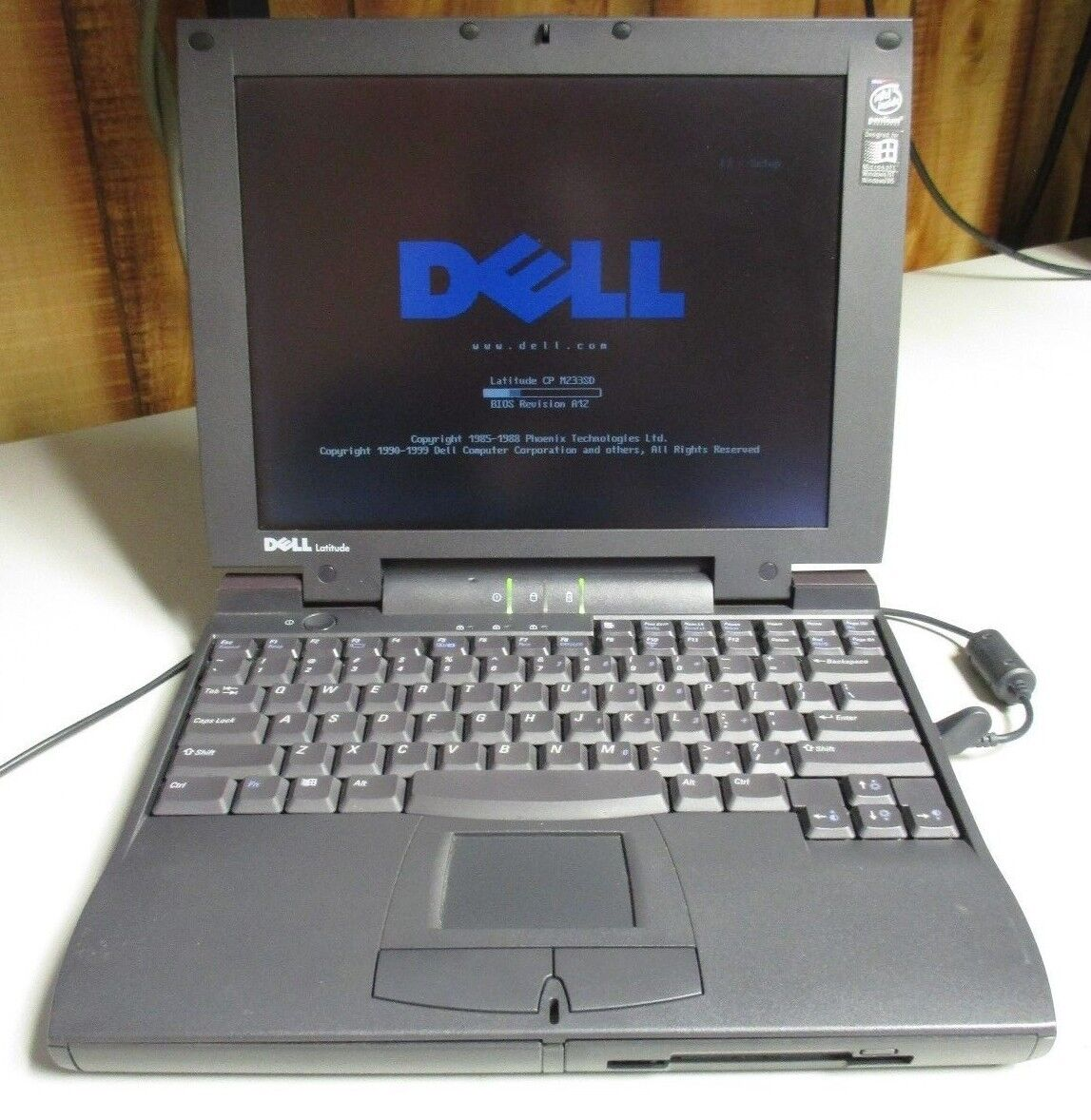 Vintage Dell Latitude CP PPL Laptop *FOR PARTS ONLY*NO OS/HDD*NO POWER SUPPLY*