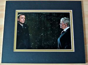 DAME-JUDI-DENCH-HAND-SIGNED-AUTOGRAPH-10X8-PHOTO-MOUNT-JAMES-BOND-SKYFALL-COA
