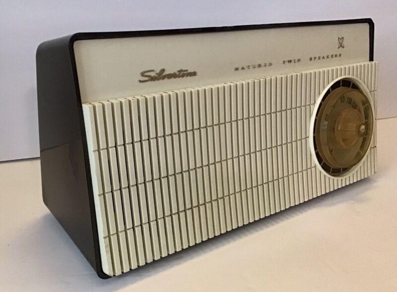 Vintage 1960's SEARS SILVERTONE Radio AM Tube Atomic Sputnik Streamline Retro