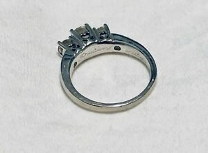 Peoples Diamond on 14k white gold ring size 8.75