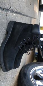 BLACK TIMBERLANDS BOOTS SIZE 10