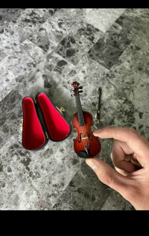 Sad Tiny Violin for people that complain too much