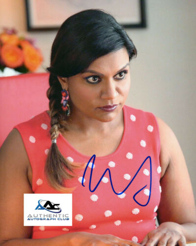 MINDY KALING AUTOGRAPH SIGNED 8X10 PHOTO THE MINDY PROJECT THE OFFICE COA