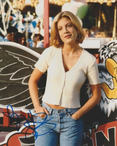 Tori Spelling 90210 Autographed Signed 8x10 Photo COA 2019-4