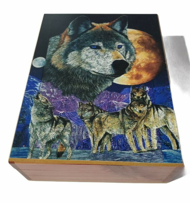 Wolf Wolves Western Themed Cedar Wood Beautiful Hand Crafted Trinkets Box New