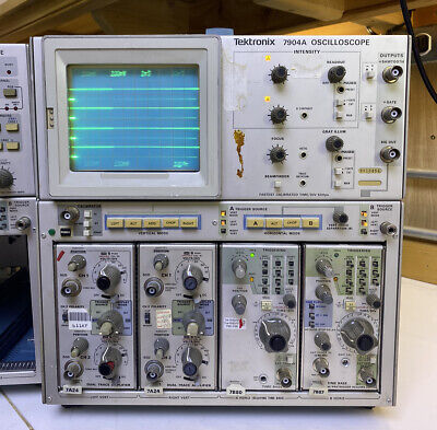 Tektronix 7904a Oscilloscope With Two Modules Tested Working