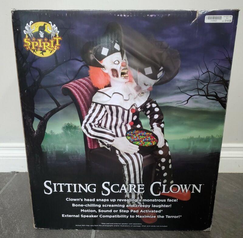 SPIRIT HALLOWEEN SITTING SCARE CLOWN BRAND NEW IN BOX SPOOKY SOUNDS ANIMATRONIC