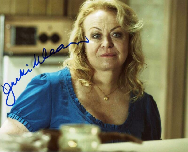 "Jacki Weaver ""Animal Kingdom"" AUTOGRAPH Signed 8x10 Photo B ACOA"