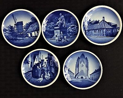 VINTAGE COLLECTIBLE 5 ROYAL COPENHAGEN 2010 SERIES PLAQUETTES FROM 1950'S/60'S