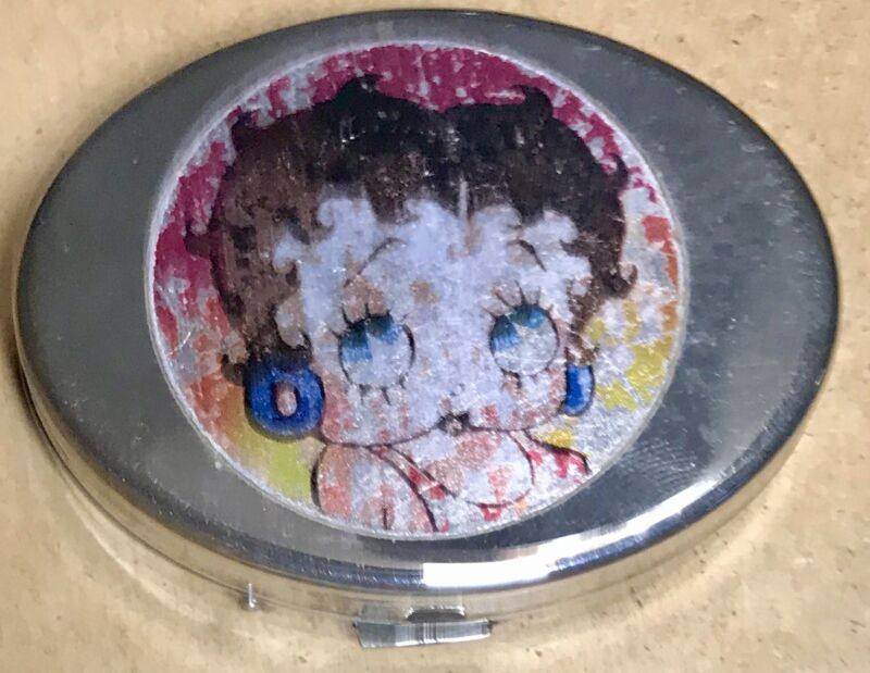 """Vintage Betty Boop 2.5"""" Oval Pocket Mirror Jewelry Pill Make Up Case Metal RARE!"""