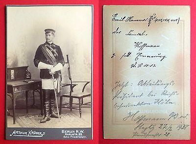 CdV Foto Studentika BERLIN um 1900 Student mit Uniform und Degen    ( 4279