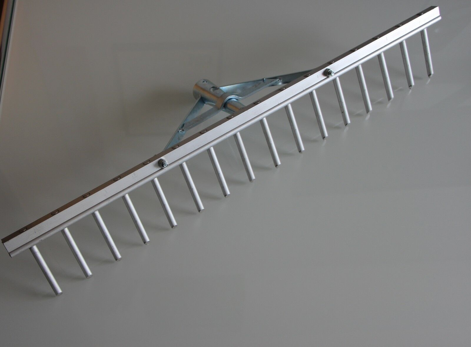 +SONDERPOSTEN+ Aluminium- Rechen 16 Zinken 62 cm Rasenrechen  Alu-Rechen Heu