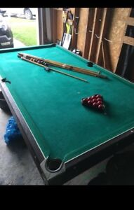 Pool Table / Snooker Table