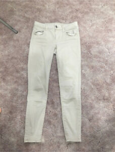 5 American Eagle jeans