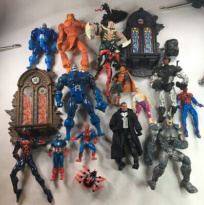 Marvel Lot Of 18 Figures & Pieces Spiderman Venom Punisher Apocalypse & More