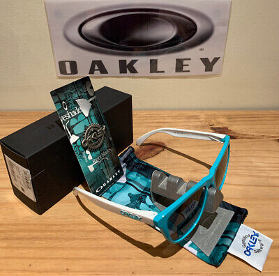 Oakley Frogskins Sunglasses - Heritage Collection/24-417 - Seafoam w Grey - (Oakley Heritage Collection)
