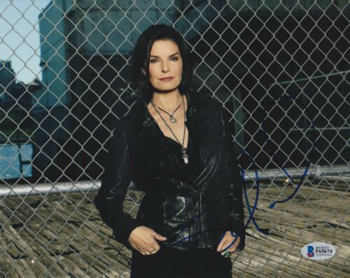 SELA WARD SIGNED 8X10 PHOTO CSI NY FBI BECKETT BAS AUTOGRAPH AUTO COA C
