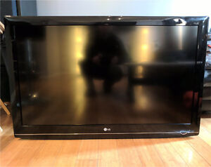 """Great condition LG 42"""" 1082p HDTV"""