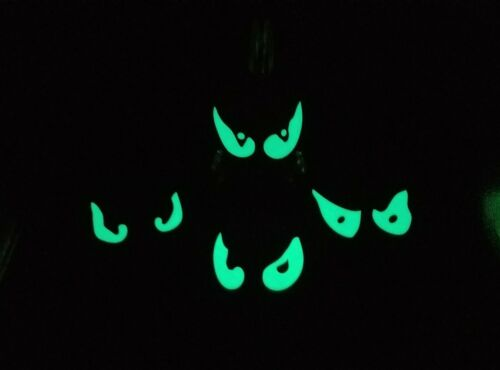 Haunted Mansion Ride Inspired Glow in the Dark Eyes Prop - Set of 4
