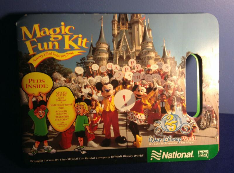 DISNEY WORLD1996 25 ANNIVERSARY NATIONAL CAR RENTAL MICKEY & MINNI MAGIC FUN KIT