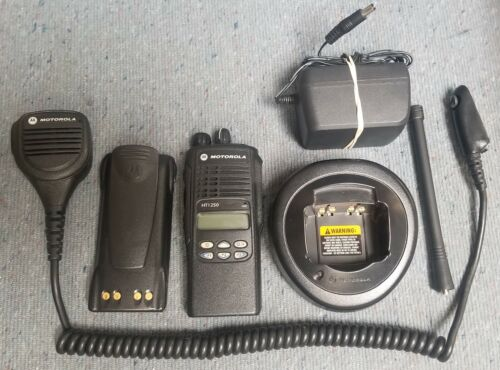Motorola HT1250 VHF 136-174 Mhz VERY GOOD w Mic & Charger Buy 1 to 9 units