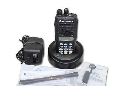 Aah25kdh9aa6an Motorola Ht1250 Vhf 136-174 128 Ch Full Keypad New O.s.-no Box
