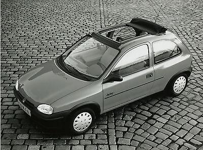 Pressefoto 1993 Opel Corsa Faltschiebedach 21,5x16,5 cm press photo Auto PKWs