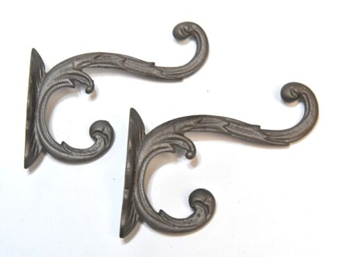 2 MATCHING VICTORIAN STYLE HAT OR COAT HOOKS
