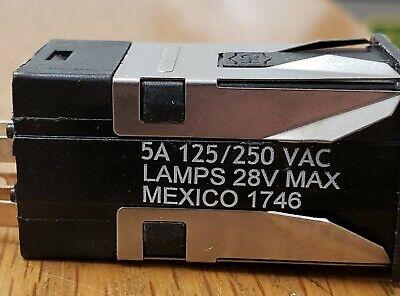 Eaton Pt 221k21810 Push Button Illuminated Switch