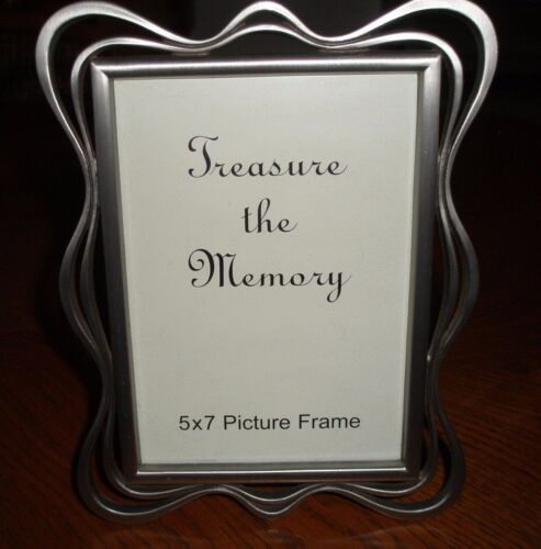 GLOBAL SALES ~ 5 X 7 PICTURE FRAME ~ TREASURE THE MEMORY ~ SILVER ~ NEW