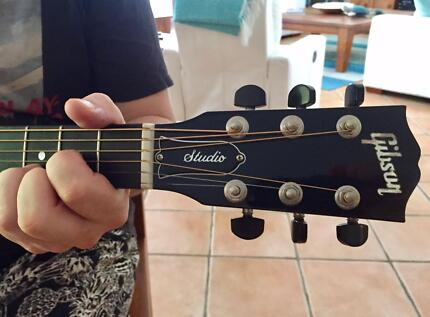 Adams Mobile Guitar Tuition - Bringing it to you.