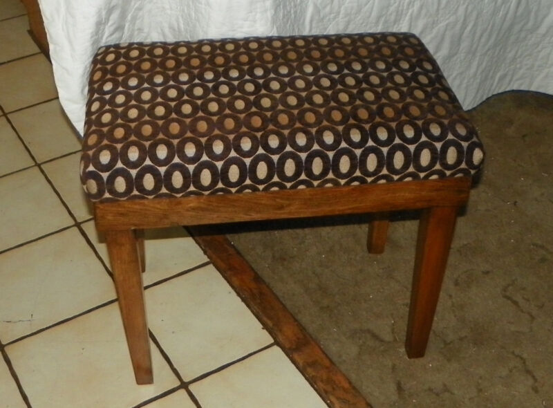 Walnut Vanity Bench brown circle print (BN3)