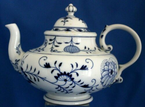 Rare Meissen Blue Onion Teapot/Lid Marked Twice With Crossed Swords Germany