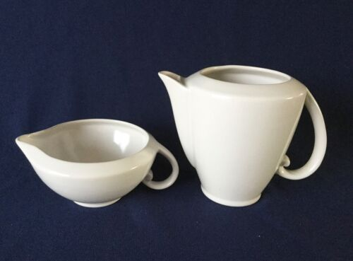 VERNON Kilns ULTRA California White Gardenia 16 oz Pitcher 2 Cup Coffee Pot