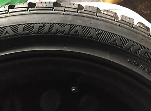 4 Winter Tires on Rims - lightly used - General Altimax Arctic