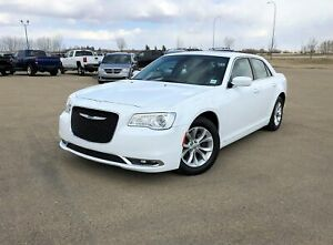 2018 Chrysler 300 Limited Touring Edition w/panoramic roof