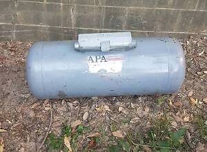 Lpg tank. 80L brackets included, indate. GC.  Swap for donut tank Montville Maroochydore Area Preview