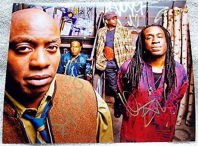 Living Colour Auto 8x10 Photo Signed By Corey Glover, Vernon, Will, Doug Wimbish