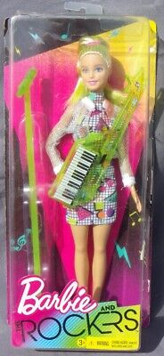 Barbie And The Rockers Rubia 2017 Mattel FHC03 Caja Dañada Perforado Muñeca...