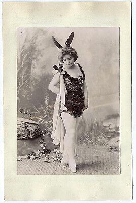 Foto Richtung 1900 Damen Kostüm Szene / Cabaret Danse Theater Opéra Füller