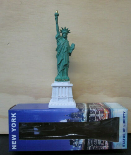 """Brand New 7"""" Stature Of Liberty Figurine NYC New York Souvenir Gift Boxed"""
