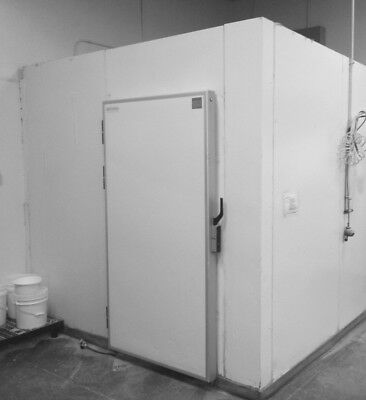 Walk-in Cooler 9 X 11 X 8 Feet High White Color Used