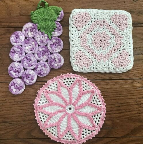 3 VINTAGE HAND CROCHETED POT HOLDER HOT PAD-GRAPE CLUSTER & PINK WHITE
